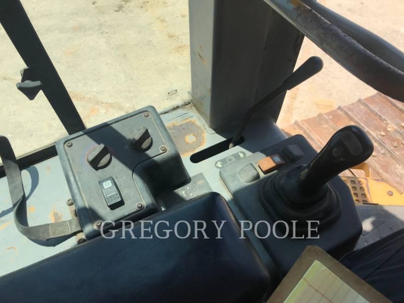 CATERPILLAR TRACK TYPE TRACTORS D3G equipment  photo 20