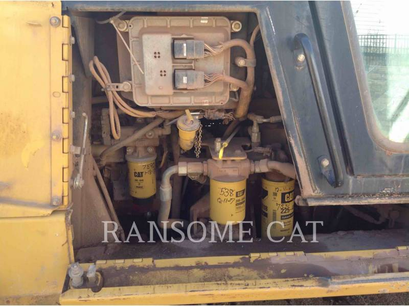 CATERPILLAR CHARGEURS SUR CHAINES 953C equipment  photo 14
