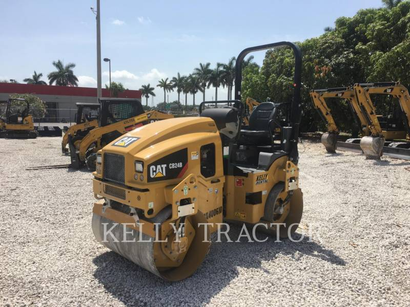 CATERPILLAR ROLO COMPACTADOR DE ASFALTO DUPLO TANDEM CB24B equipment  photo 1
