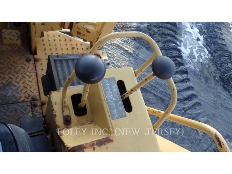 CATERPILLAR TRACK TYPE TRACTORS D4C equipment  photo 10