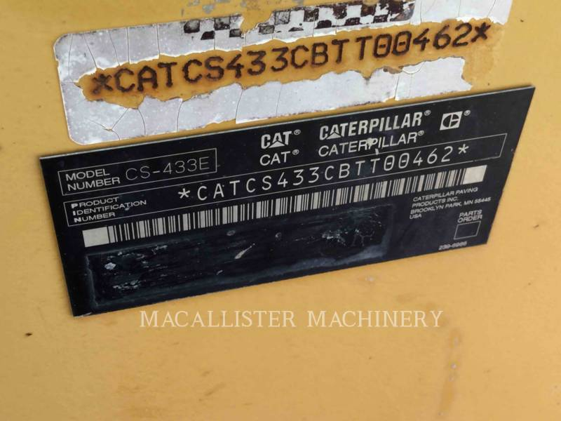 CATERPILLAR VIBRATORY SINGLE DRUM SMOOTH CS-433E equipment  photo 5