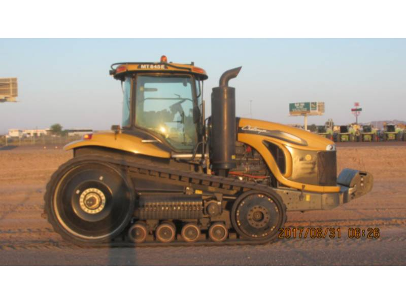 CATERPILLAR TRACTEURS AGRICOLES MT845E equipment  photo 2