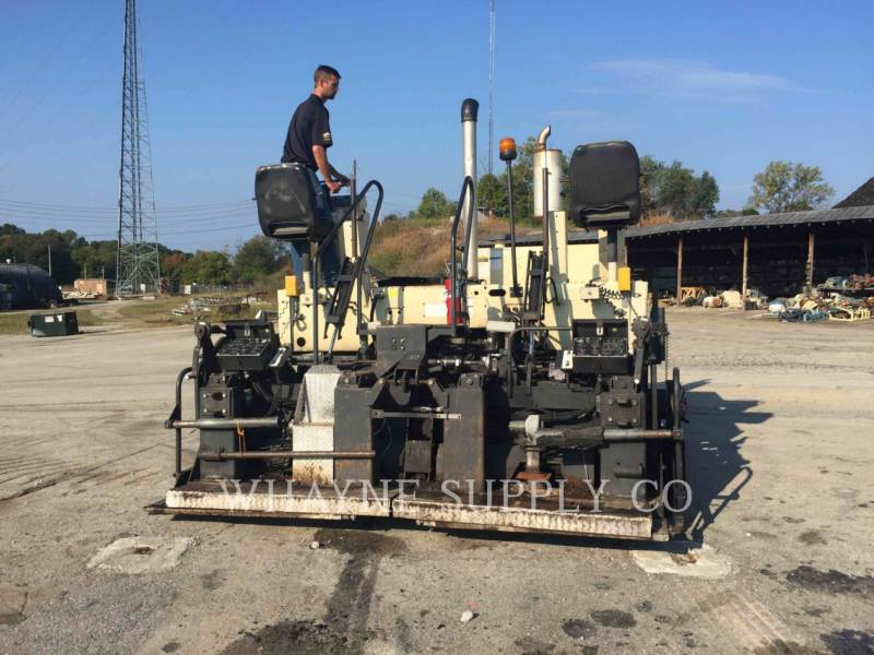 BLAW KNOX / INGERSOLL-RAND ASPHALT PAVERS PF3200 equipment  photo 21