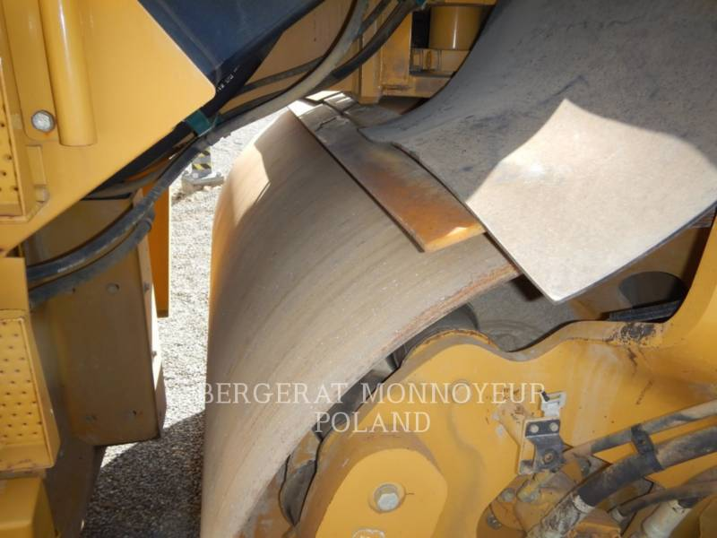 CATERPILLAR ROLO COMPACTADOR DE ASFALTO DUPLO TANDEM CD54 equipment  photo 6
