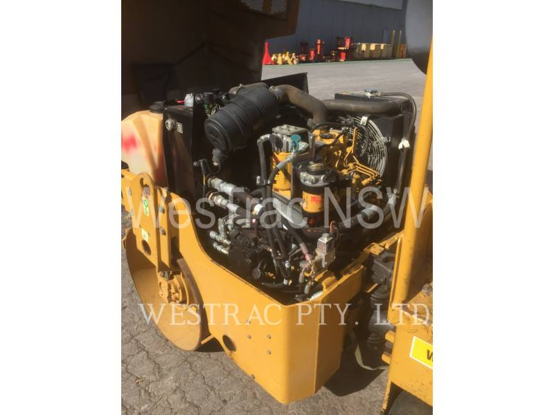 CATERPILLAR COMPACTEURS TANDEMS VIBRANTS CB22 equipment  photo 5