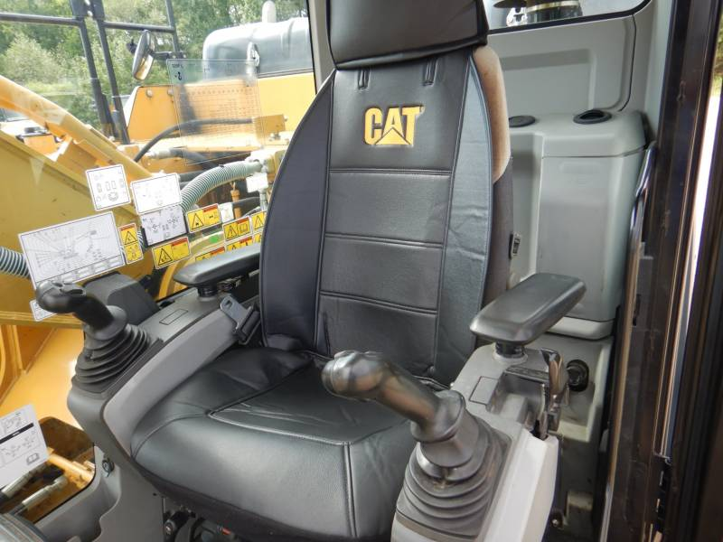 CATERPILLAR TRACK EXCAVATORS 329 F L equipment  photo 10