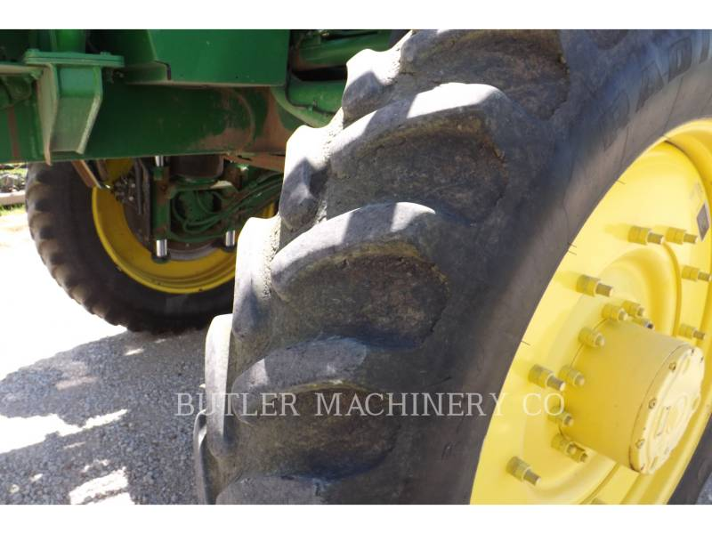 DEERE & CO. PULVERIZADOR 4930 equipment  photo 11
