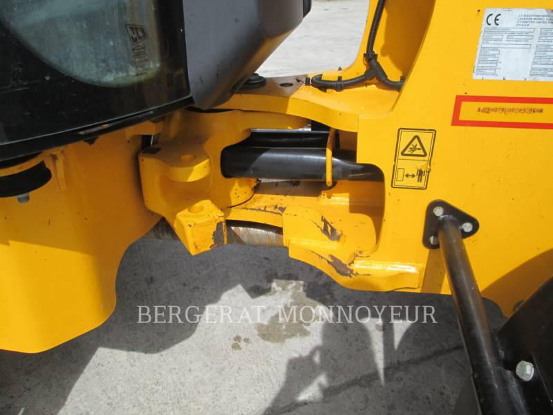 JCB WHEEL LOADERS/INTEGRATED TOOLCARRIERS 407BT4 equipment  photo 17