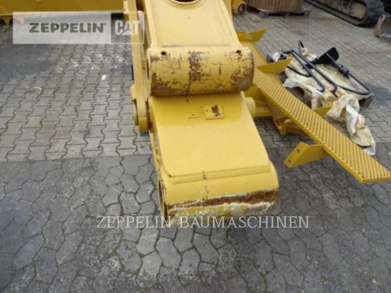 CATERPILLAR TRACK EXCAVATORS 374DL equipment  photo 12