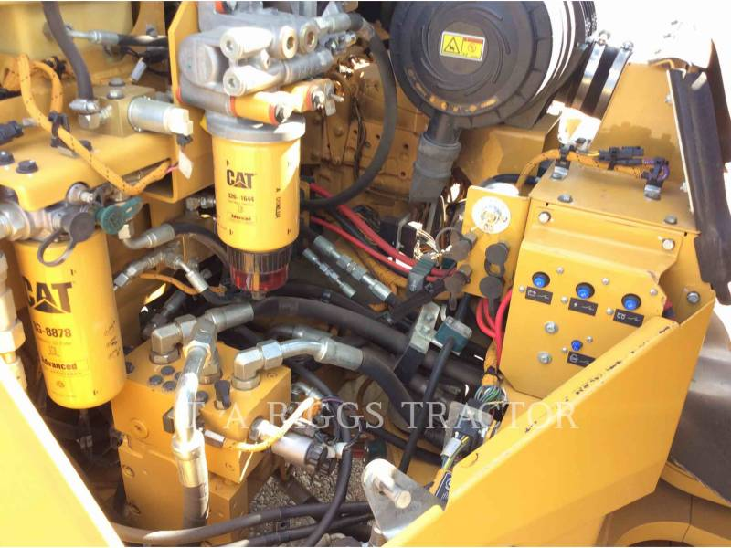CATERPILLAR COMPACTADORES CB64 equipment  photo 22