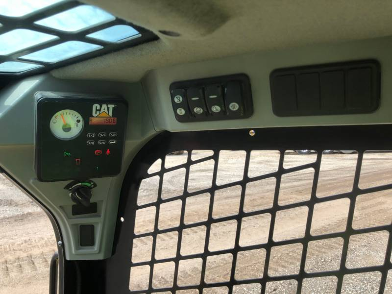 CATERPILLAR MINICARGADORAS 236D equipment  photo 21