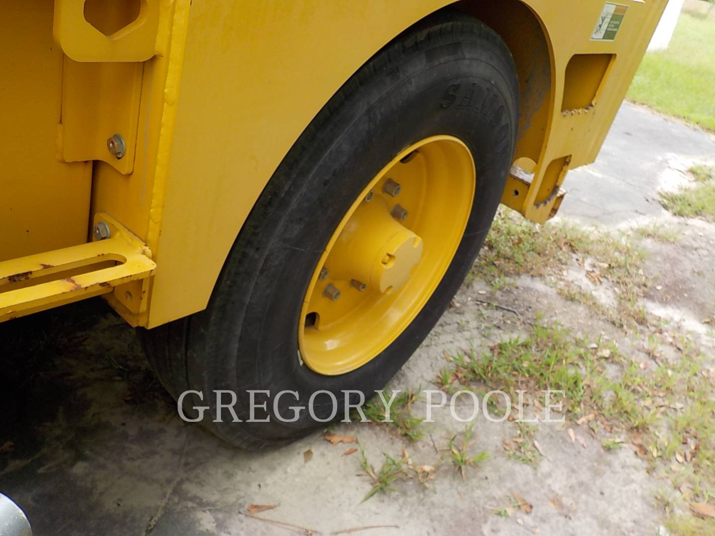 Detail photo of 2012 Weiler W430 from Construction Equipment Guide