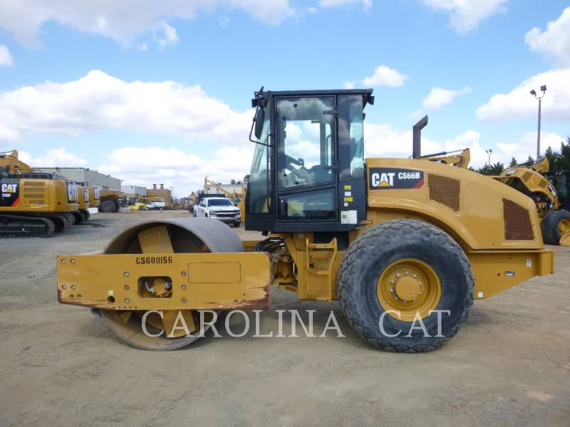 CATERPILLAR COMPATTATORE A SINGOLO TAMBURO VIBRANTE LISCIO CS66B equipment  photo 1