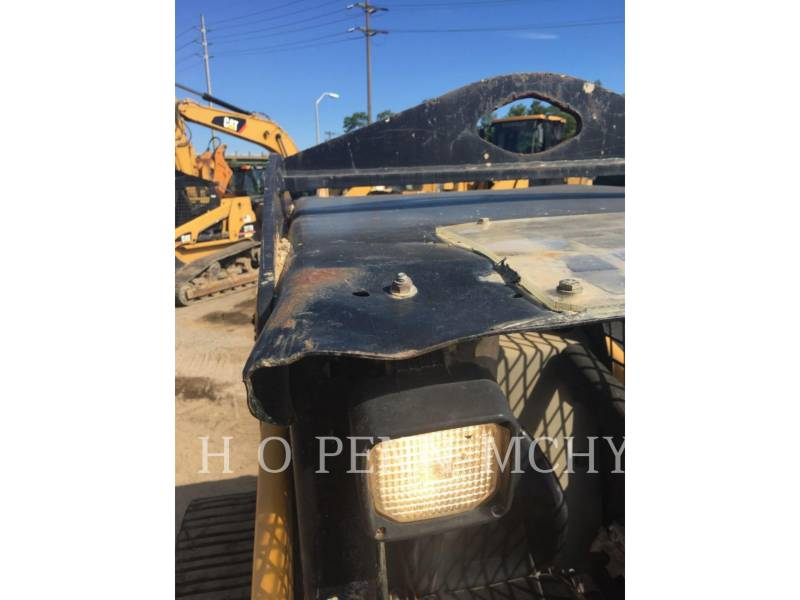 CATERPILLAR CARGADORES MULTITERRENO 277 equipment  photo 8