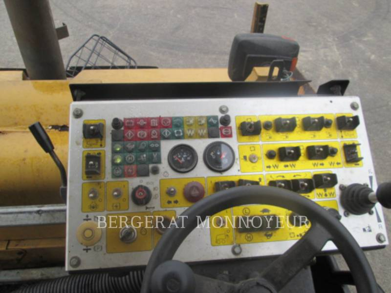 CATERPILLAR SCHWARZDECKENFERTIGER AP-300 equipment  photo 4
