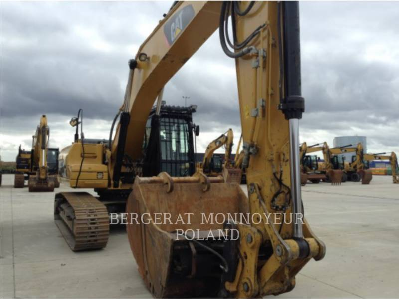 CATERPILLAR トラック油圧ショベル 329DLN equipment  photo 2