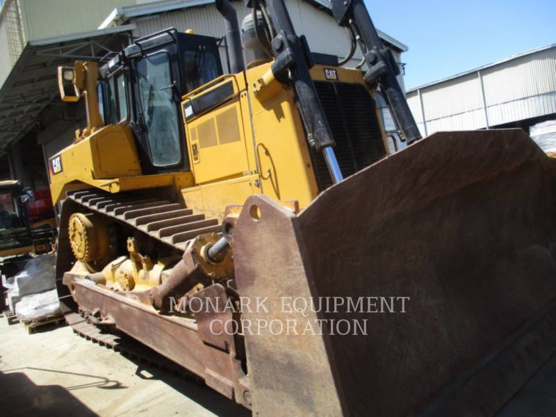 CATERPILLAR TRACTEURS SUR CHAINES D8R equipment  photo 4