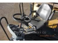 CATERPILLAR 振動ダブル・ドラム・アスファルト CB534D equipment  photo 9