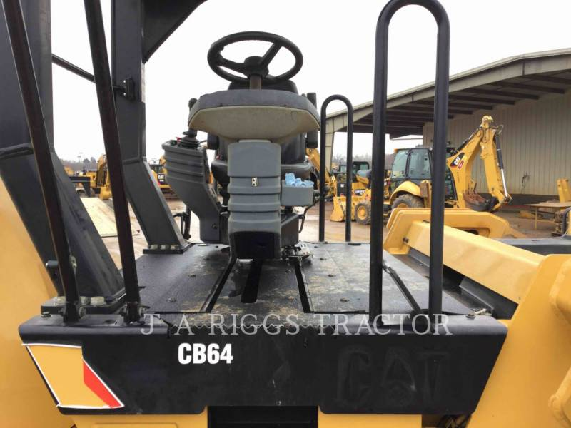 Caterpillar COMPACTOARE CB64 equipment  photo 10