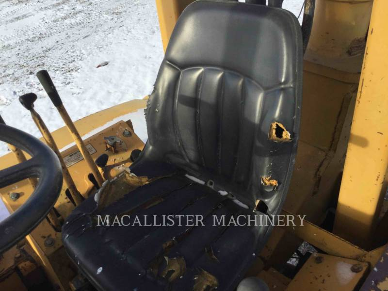 DRESSER ホイール・トラクタ・スクレーパ 412B equipment  photo 6
