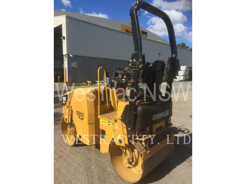 CATERPILLAR COMPACTEURS TANDEMS VIBRANTS CB22 equipment  photo 4