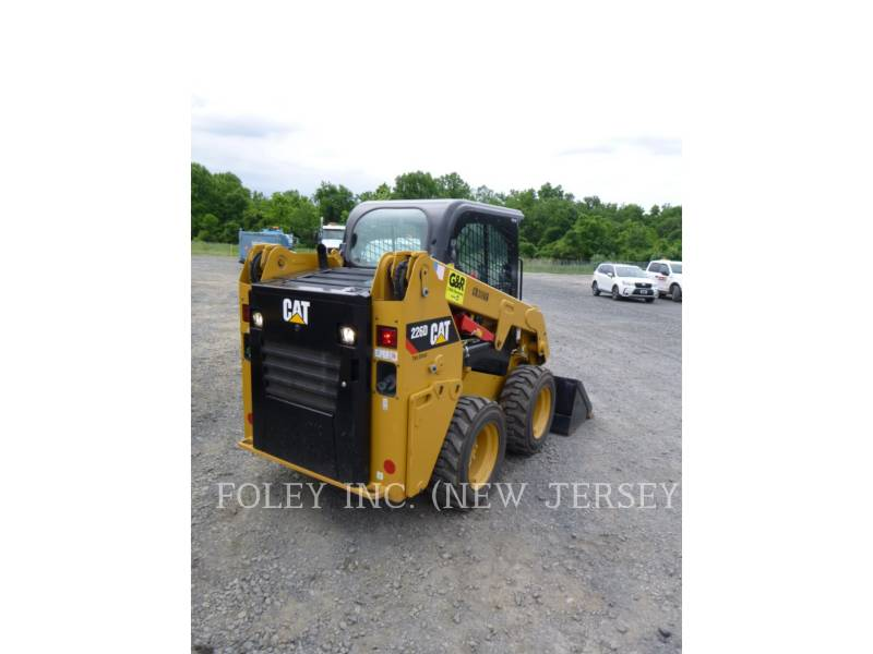 CATERPILLAR MINICARGADORAS 226D equipment  photo 2