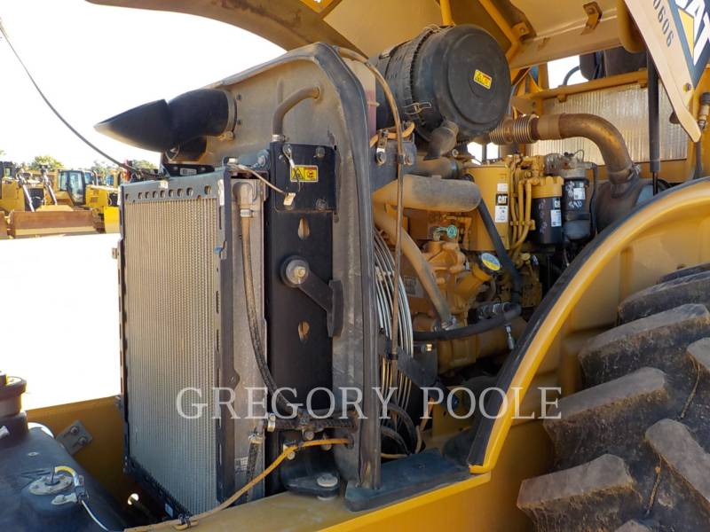 CATERPILLAR VIBRATORY SINGLE DRUM PAD CP56B equipment  photo 22