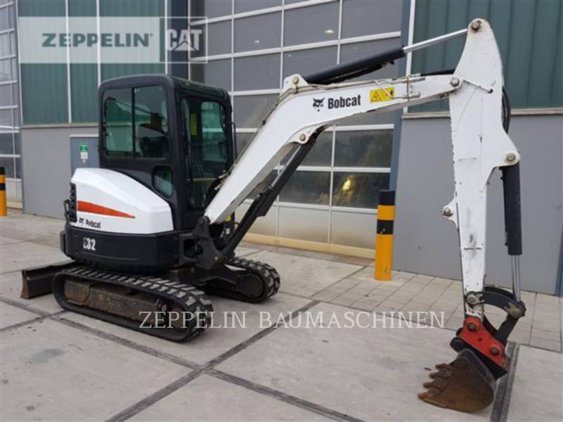 BOBCAT KOPARKI GĄSIENICOWE E32 equipment  photo 3