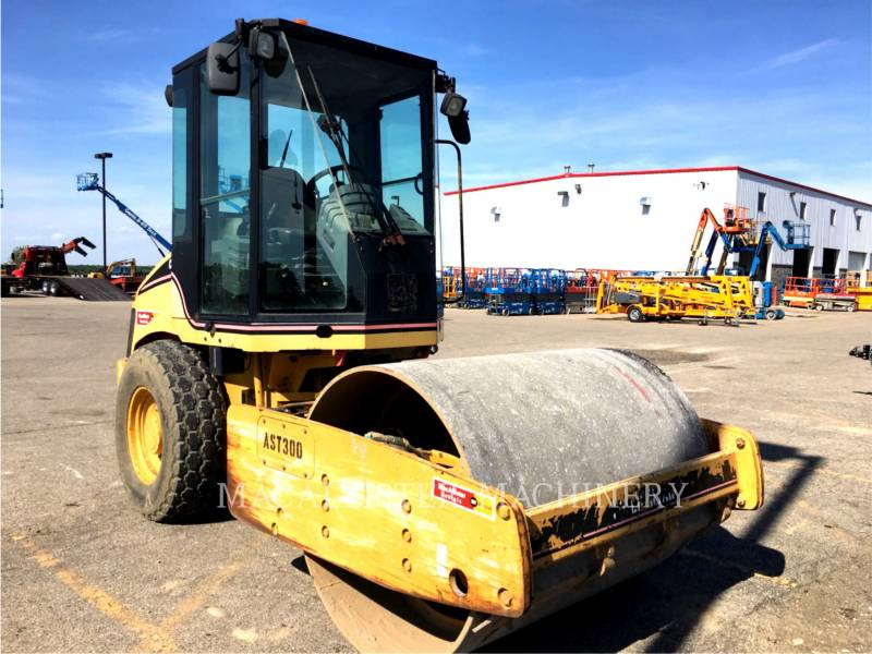 CATERPILLAR VIBRATORY SINGLE DRUM SMOOTH CS-423E equipment  photo 2