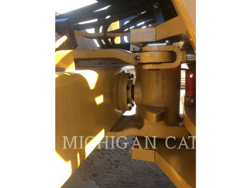 CATERPILLAR COMPACTEUR VIBRANT, MONOCYLINDRE LISSE CS54B equipment  photo 16