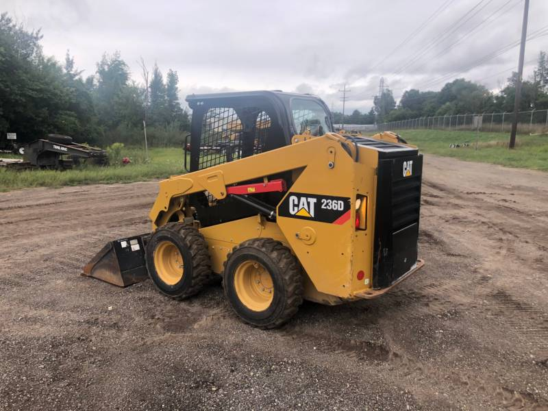 CATERPILLAR PALE COMPATTE SKID STEER 236 D equipment  photo 5