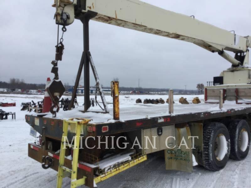 FREIGHTLINER ON HIGHWAY TRUCKS FL112 equipment  photo 21