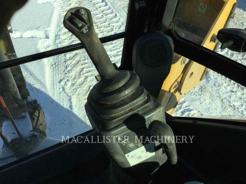 CATERPILLAR BACKHOE LOADERS 420F2ST equipment  photo 23
