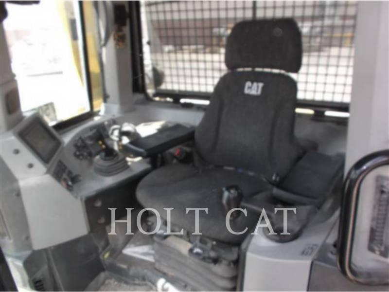 CATERPILLAR 履带式推土机 D8T equipment  photo 8