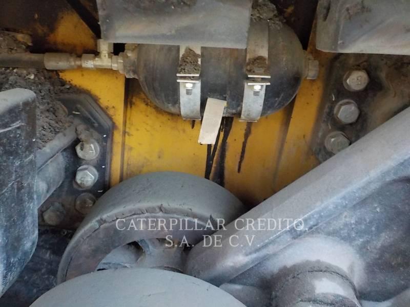 CATERPILLAR PAVIMENTADORA DE ASFALTO AP-655D equipment  photo 24