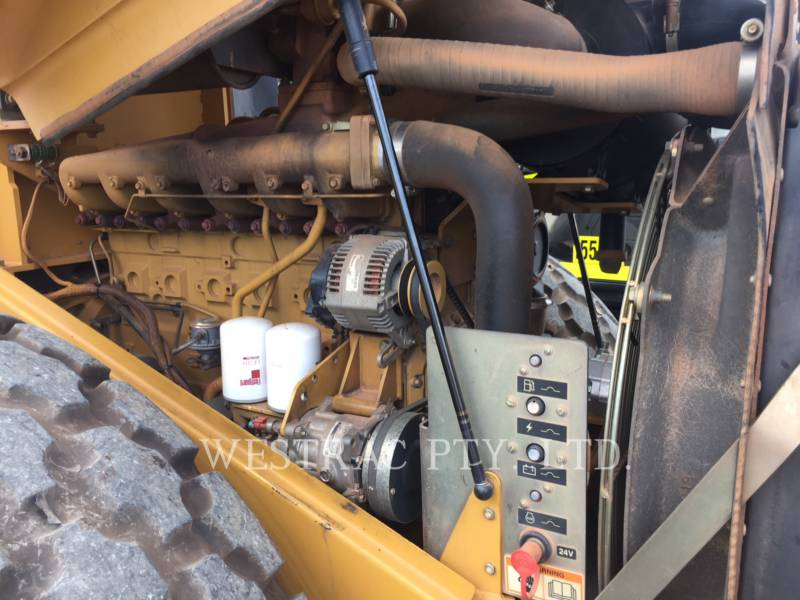 CATERPILLAR VIBRATORY SINGLE DRUM SMOOTH CS-563E equipment  photo 4
