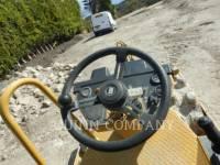 CATERPILLAR COMPACTEUR VIBRANT, MONOCYLINDRE À PIEDS DAMEURS CP 323 C equipment  photo 8