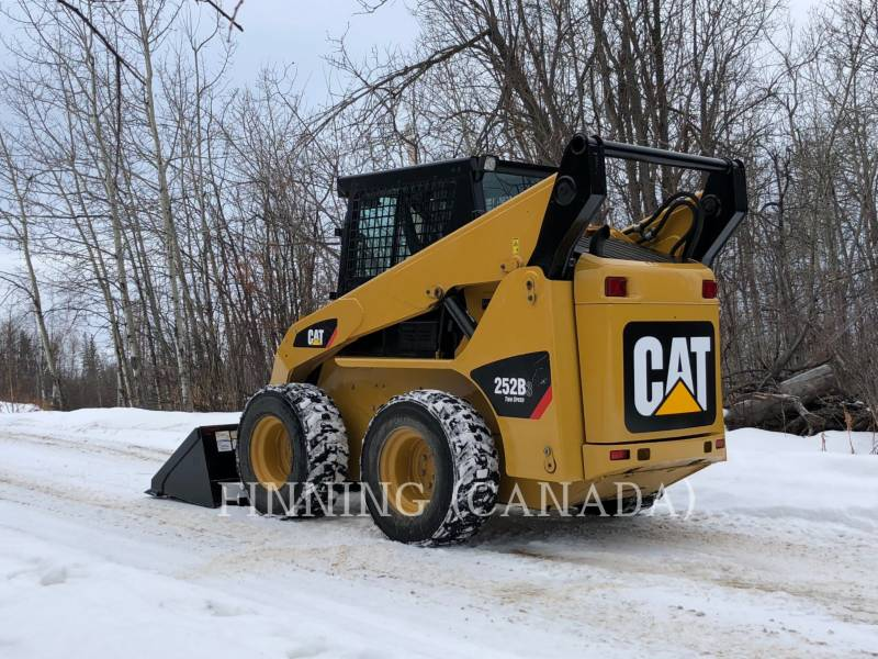 CATERPILLAR SKID STEER LOADERS 252 B SERIES 3 equipment  photo 4