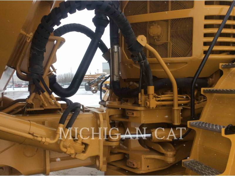CATERPILLAR CAMIONES ARTICULADOS 740 equipment  photo 13