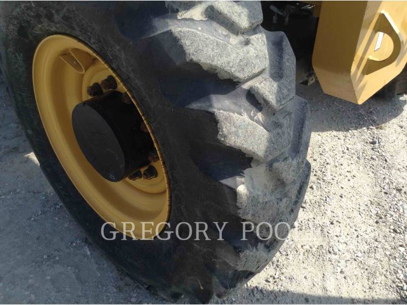 CATERPILLAR TELEHANDLER TL943C equipment  photo 23