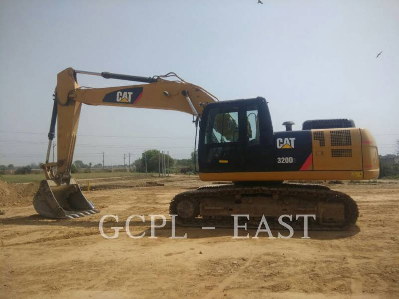 CATERPILLAR ESCAVATORI CINGOLATI 320D2 equipment  photo 2