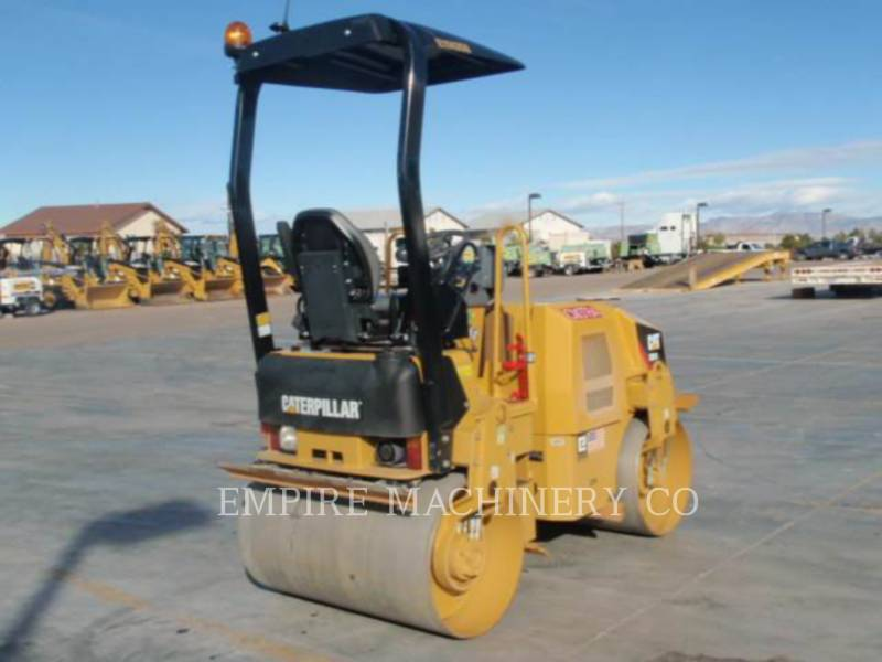CATERPILLAR TAMBOR DOBLE VIBRATORIO ASFALTO CB24 equipment  photo 2