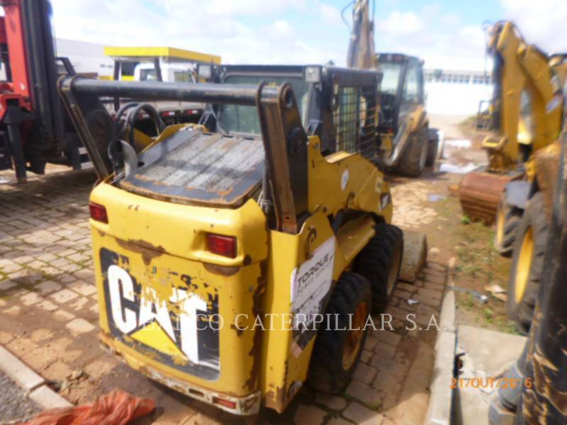 CATERPILLAR CHARGEURS COMPACTS RIGIDES 242B3 equipment  photo 3