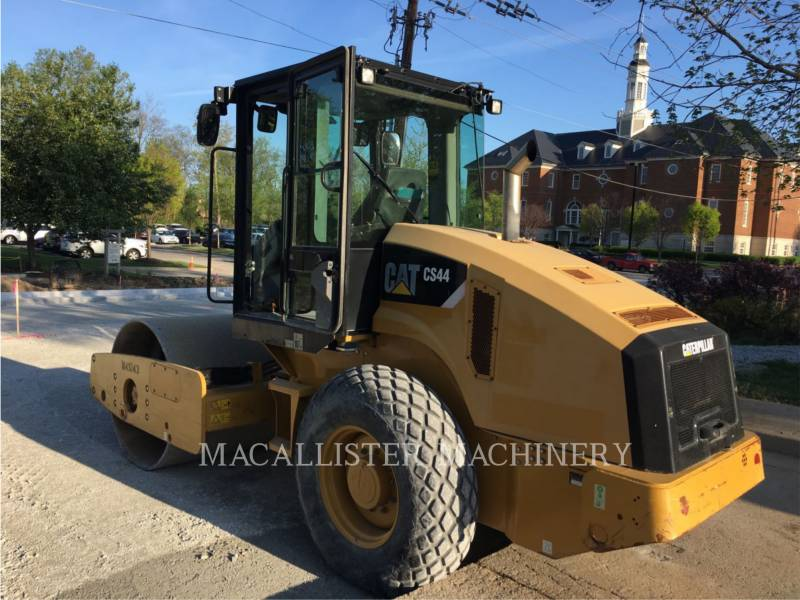 CATERPILLAR EINZELVIBRATIONSWALZE, GLATTBANDAGE CS44 equipment  photo 2