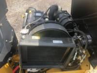 CATERPILLAR VIBRATORY DOUBLE DRUM ASPHALT CB14B equipment  photo 17