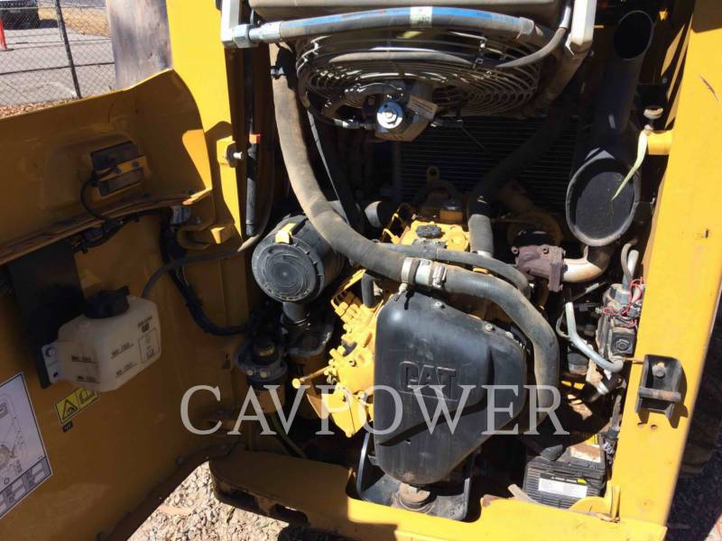 CATERPILLAR SKID STEER LOADERS 226B3LRC equipment  photo 7