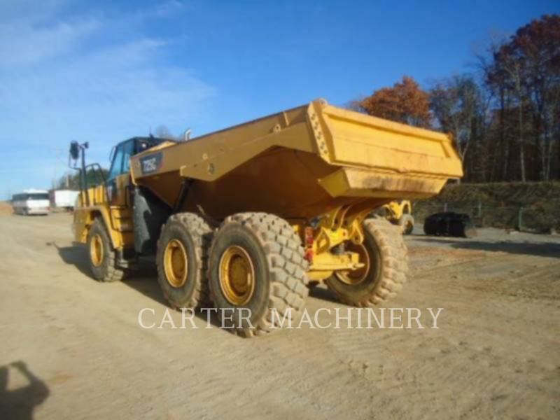 CATERPILLAR CAMIONES ARTICULADOS 725C equipment  photo 1