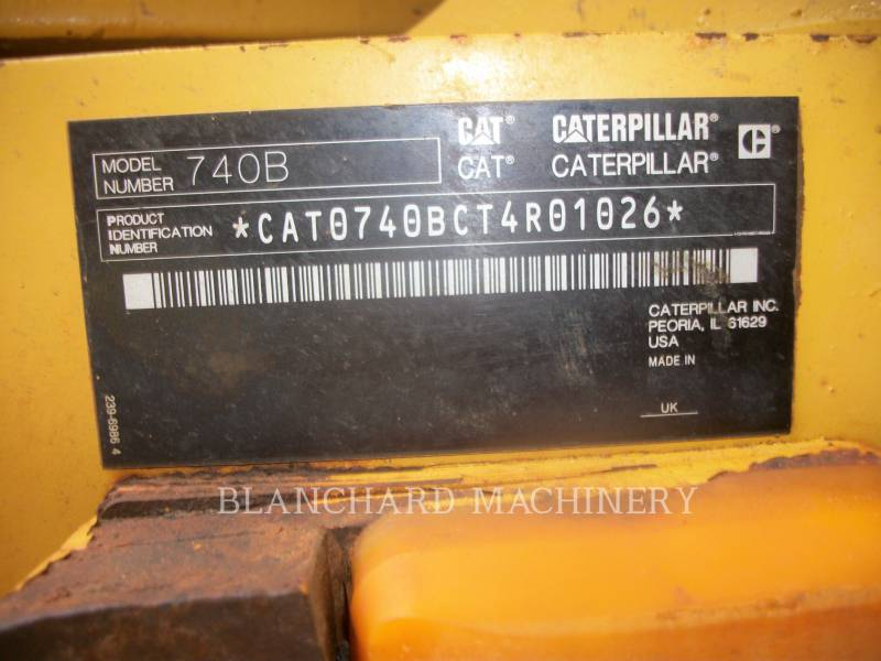 CATERPILLAR KNICKGELENKTE MULDENKIPPER 740B equipment  photo 11