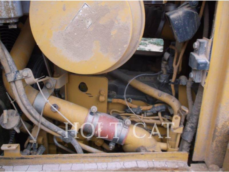 CATERPILLAR TRACK TYPE TRACTORS D6TXL equipment  photo 12