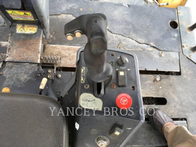 CATERPILLAR COMPACTADORES CB-564D equipment  photo 13